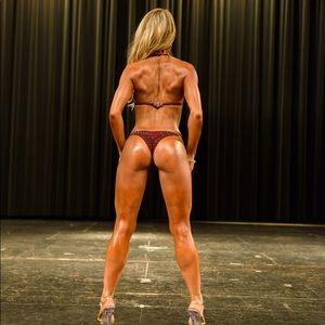 Ghisela competition bikini: burgundy ♥️